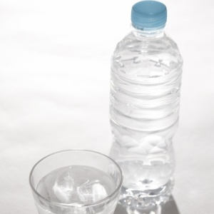 ペットボトルが開かない!子供や高齢者でもキャップが開けられる方法とは?