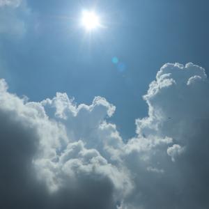 日焼け止めは塗らない方がいい?肌の負担や将来のシミを考えるとどっち?