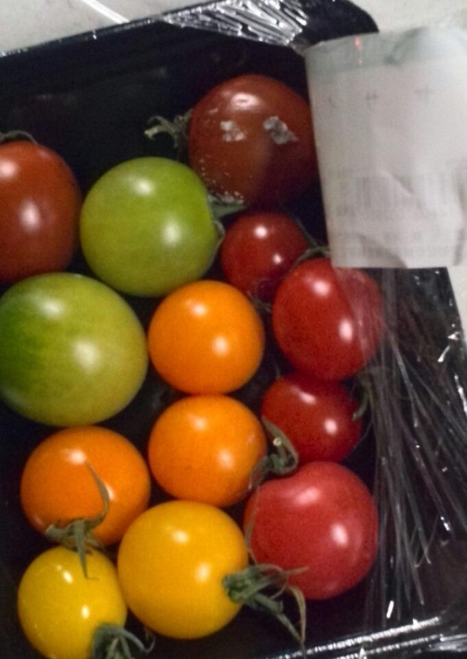 トマトのカビは取り除けば食べられる?画像で見分け方や体への影響についても