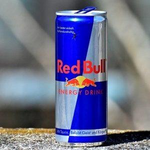エナジードリンクを毎日飲むと起こる変化は?飲みすぎた場合の影響について調査